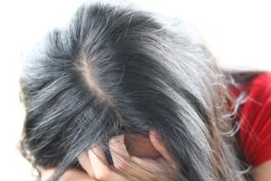 Ein Haarverdichtungsspray wird gerne als guter Haarauffüller benutzt